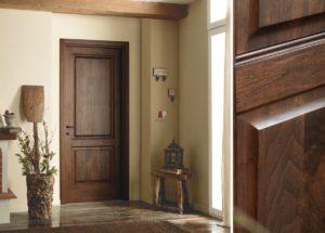 Двери массив крашенные